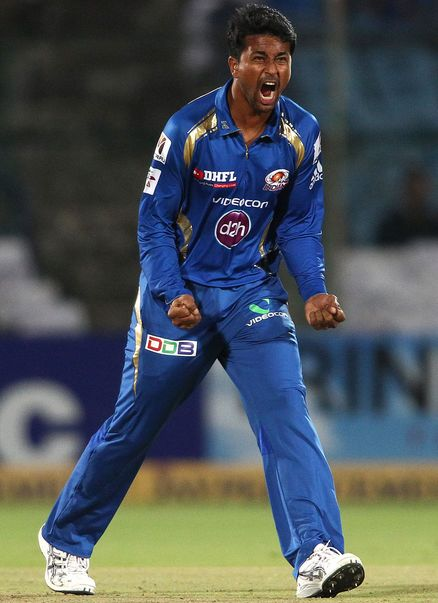 Pragyan Ojha Shows His Aggression After Taking A Wicket