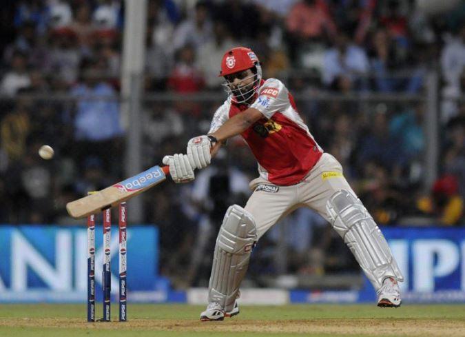 Praveen Kumar Six in IPL