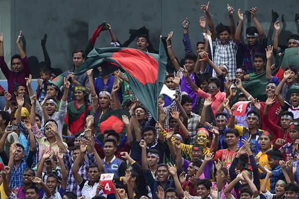Bangladesh spectators