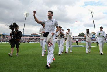 Best swing bowlers