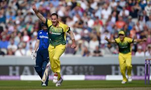 John Hastings was the pick of the Aussie bowlers in the 5th ODI. (© Getty Images)