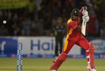 Zimbabwe's Vusi Sibanda plays