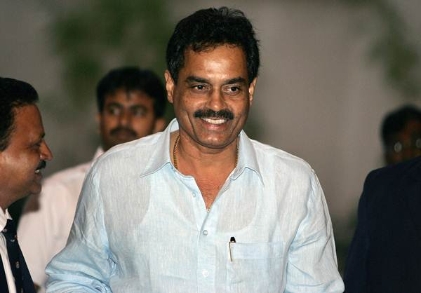 Indian cricket chief selector Dilip Vengsarkar arrives to attend a Board of Control for Cricket in India (BCCI) selection meeting in Bangalore, 05 December 2007.