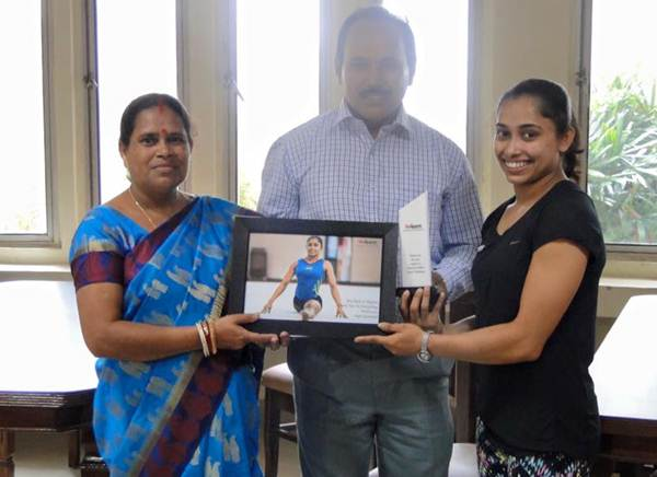 Dipa Karmakar with her parents at the sendoff organised by GoSports Fou
