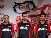 Virender Sehwag and Akshay Kumar cricket