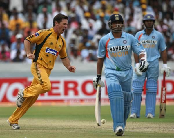 Sachin Tendulkar and Brad Hogg