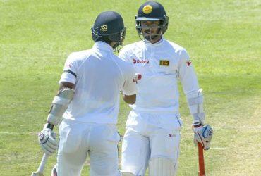 Dinesh Chandimal and Dhananjaya da Silva of Sri Lanka