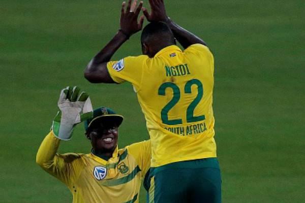 Lungi Ngidi celebrates the wicket