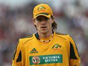 Nathan Bracken of Australia