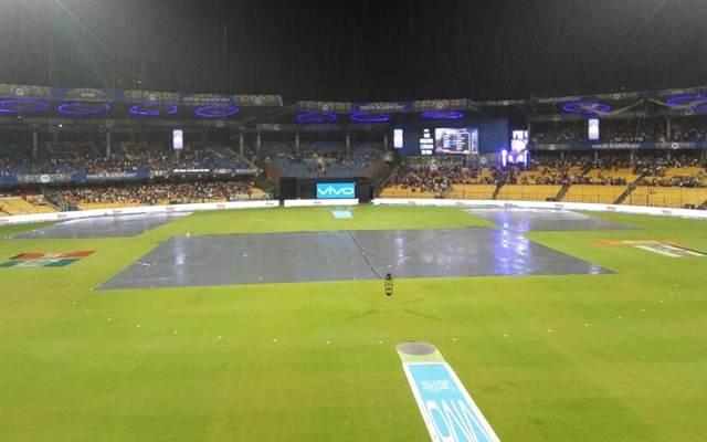Bengaluru: Rains interrupt IPL 2017 second qualifier match between Kolkata Knight Riders and Sunrisers Hyderabad at M Chinnaswamy Stadium KSCA