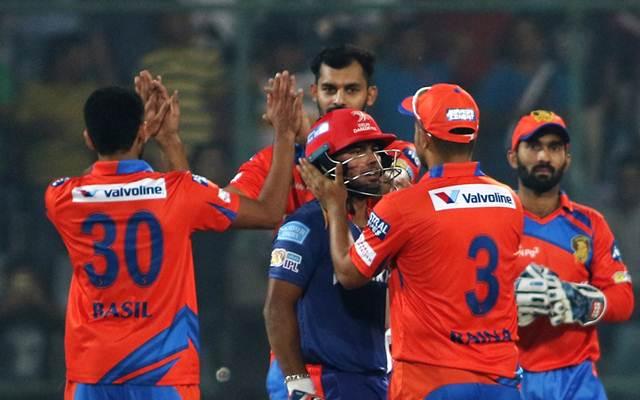 Gujarat Lions captain Suresh Raina greets to Rishabh Pant of Delhi Daredevils who scored 97 runs