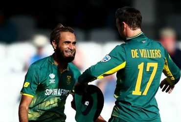 Imran Tahir and AB de Villiers of South Africa
