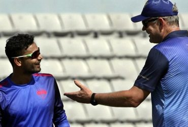 Mashrafe Mortaza speaks with Tom Moody, head coach of Rangpur Riders