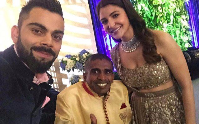 Virat Kohli & Anushka Sharma with the Sri Lankan fan Gayan Senanayake. (Photo Source: Twitter)