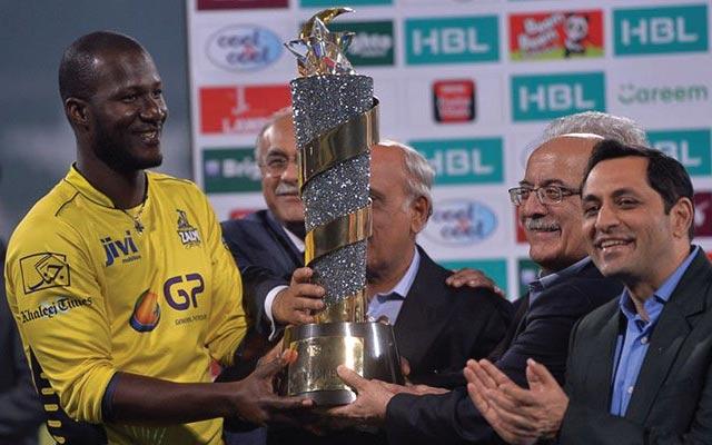 Darren Sammy holding PSL trophy