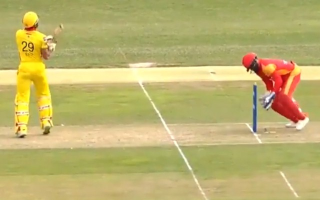 Wicketkeeper Zeeshan Ali misses out an easy stumping