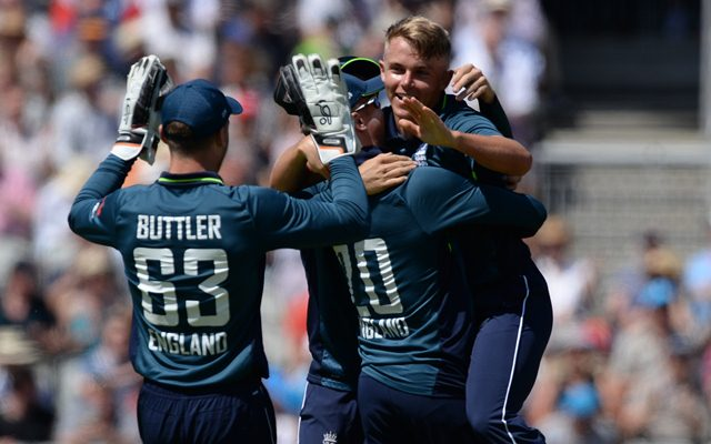 Sam Curran of England celebrates after dismissing Ashton Agar