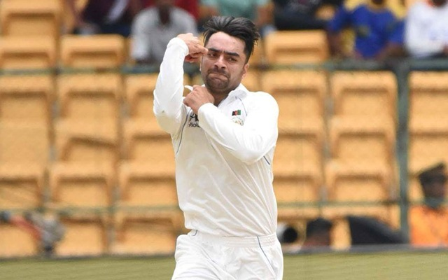Rashid Khan bowling