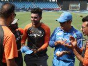 Deepak Chahar receives his debut cap from Ravi Shastri