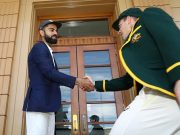 Virat Kohli and Tim Paine shake hands