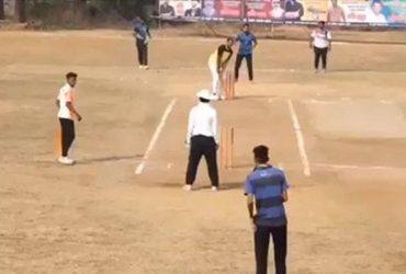 6 runs needed off 1 ball
