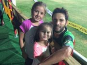 Shahid Afridi and his daughter