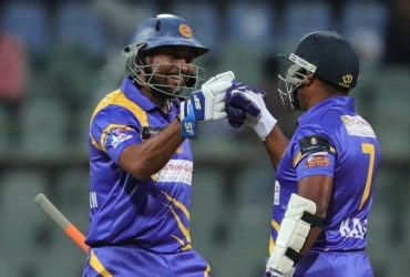 Tillakaratne Dilshan and Romesh Kaluwitharana