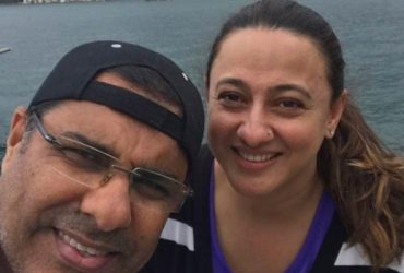 Waqar Younis and his wife