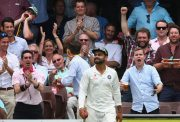 Virat Kohli and Australian crowd