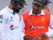 Sarfaraz Ahmed carrying drinks