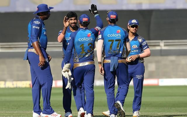 Mumbai Indians celebrating the wicket