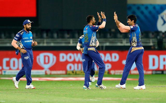 Mumbai Indians celebrates