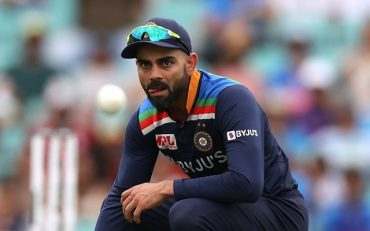 https://www.crictracker.com/twitter-reactions-virat-kohli-gets-back-into-groove-with-a-sublime-89-at-the-scg/