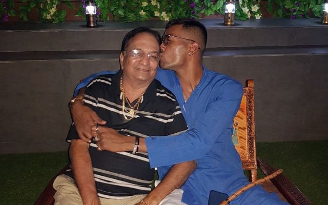 Hardik Pandya with his father