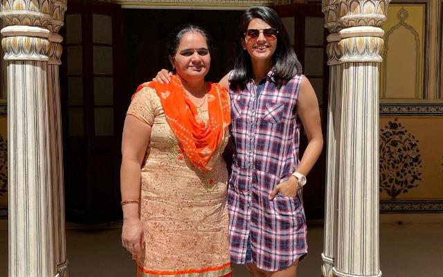 Priya Punia and her mother