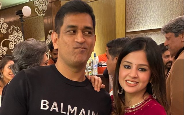 MS Dhoni and his wife Sakshi Singh Dhoni