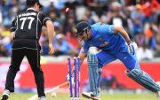 MS Dhoni run-out